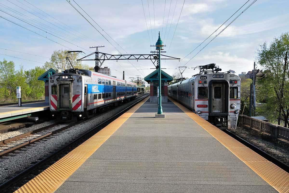 Metra-Station-5