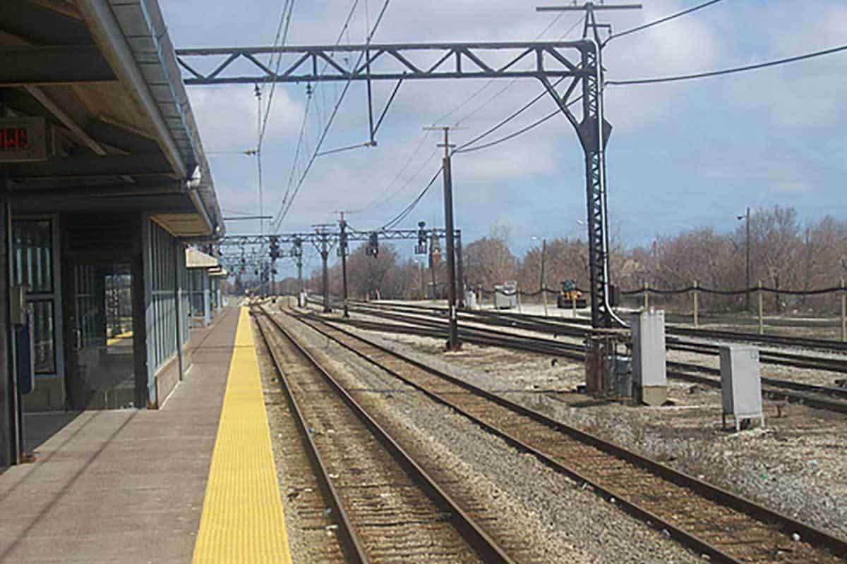 Metra-Station-6